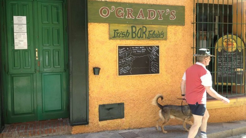 Fachada del O'Grady's. (FOTO: Agustín Rivera)