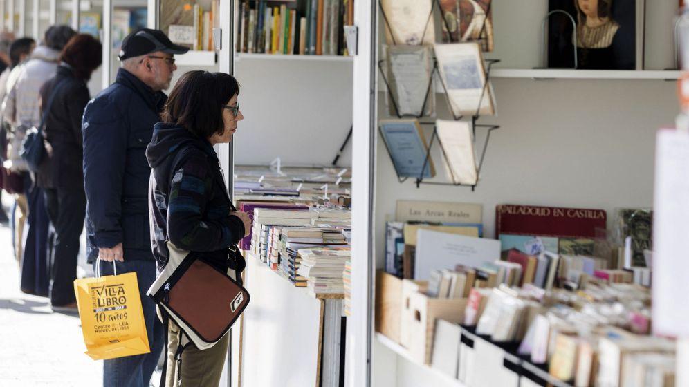 Foto: Las firmas de la Feria del Libro o del Día del Libro son un medidor de quién es ídolo de la literatura y quién no (Foto: Efe)