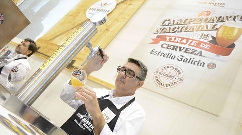 Así se sirve la cerveza perfecta, según el campeón de España