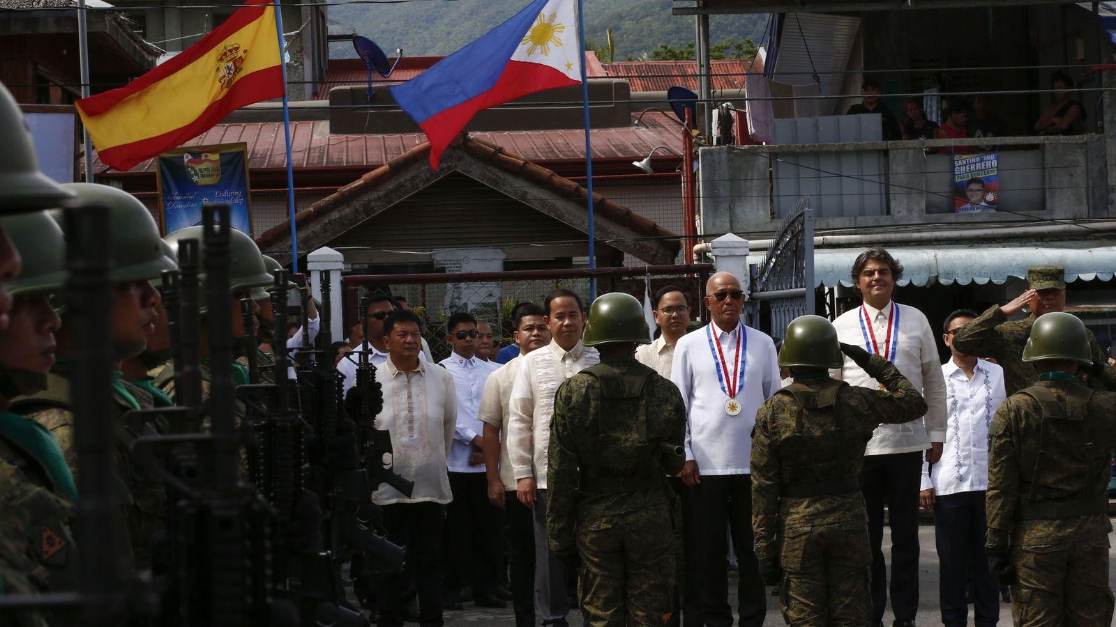 """Foto: Acto de homenaje a """"Los últimos de Filipinas"""" en Baler. (EFE)"""