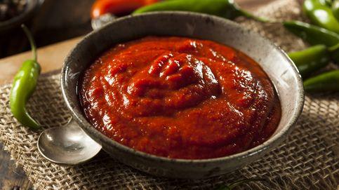 Elabora la salsa picante siracha que triunfa en el mundo entero