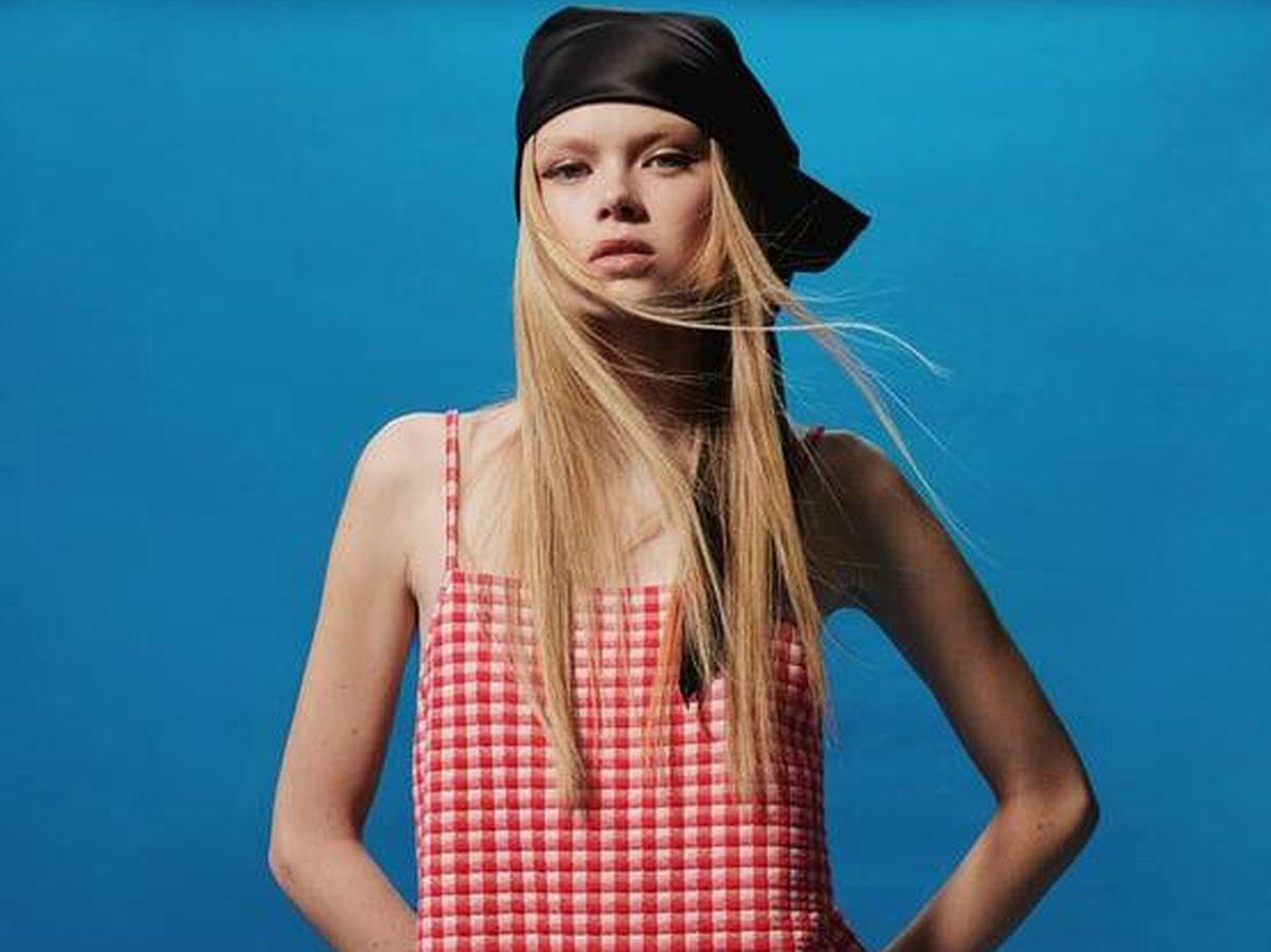 Foto: Vestidos de las rebajas de Zara aptos para el calor. (Cortesía)