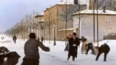 Disfruta en 4k y en color de una batalla de bolas de nieve en el Lyon de 1886