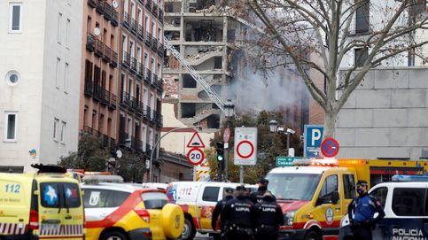 Despliegue sanitario y policial tras la explosión en el centro de Madrid que ha causado varios muertos