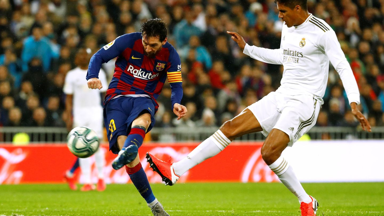 El disparo de Messi que despejó Courtois. (Reuters)