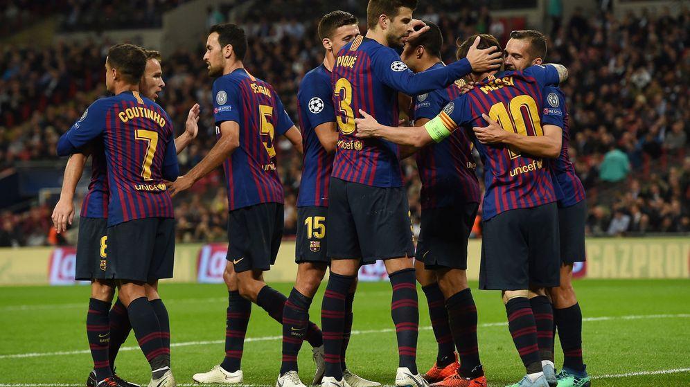 Foto: Los jugadores del FC Barcelona celebran un gol (EFE)