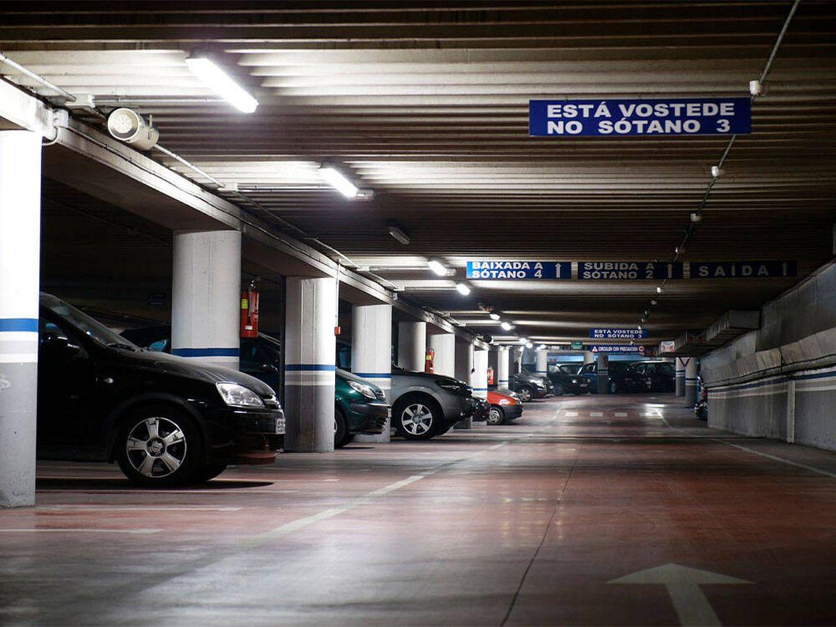 Foto: Un juez de Vigo avala una multa de la policía en un parking de un centro comercial (Pixabay)