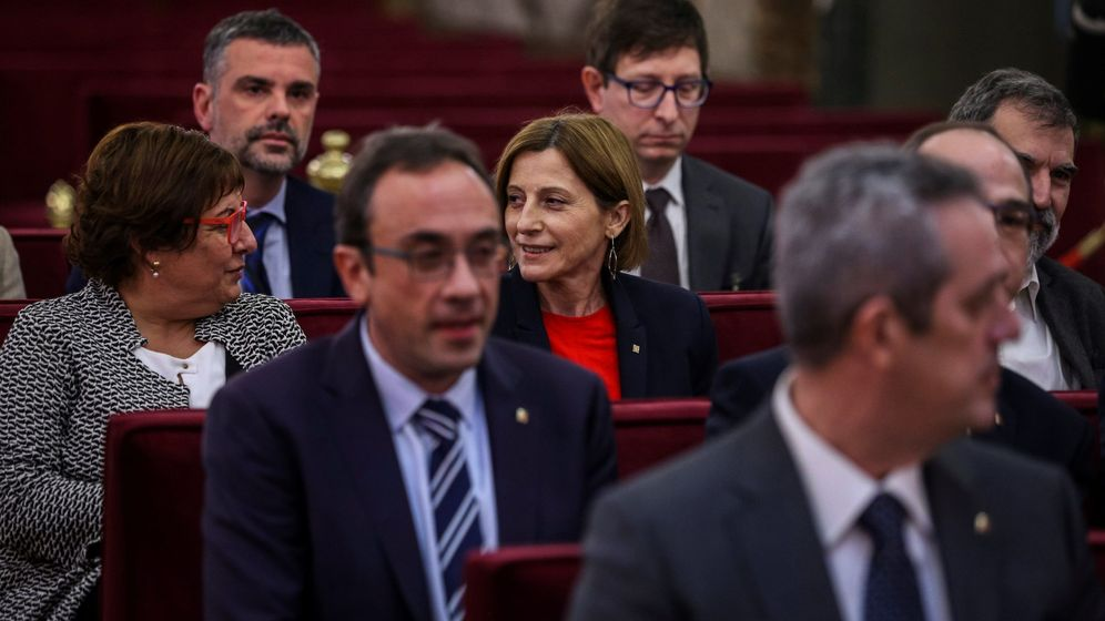 Foto: Josep Rull (segunda fila - i) en el banquillo del Supremo. (EFE)