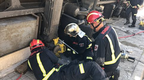 Herido de gravedad un trabajador al ser aplastado por el camión que descargaba