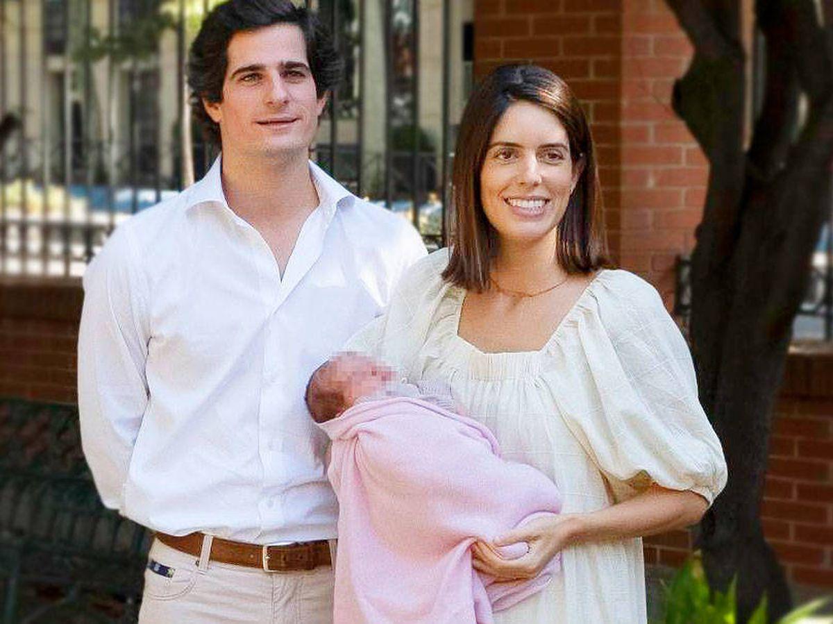 Foto: Los duques de Huéscar presentan a su hija Rosario. (Getty)