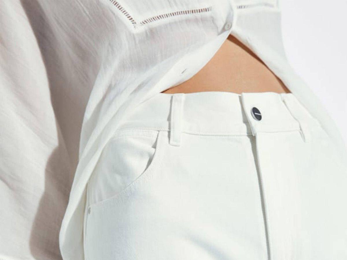 Foto: Pantalón blanco de Massimo Dutti. (Cortesía)