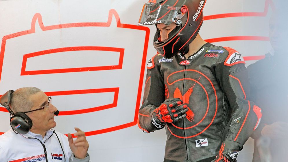 Foto: El piloto de Repsol Honda, Jorge Lorenzo, momentos antes de salir a la pista de Cheste. (EFE)