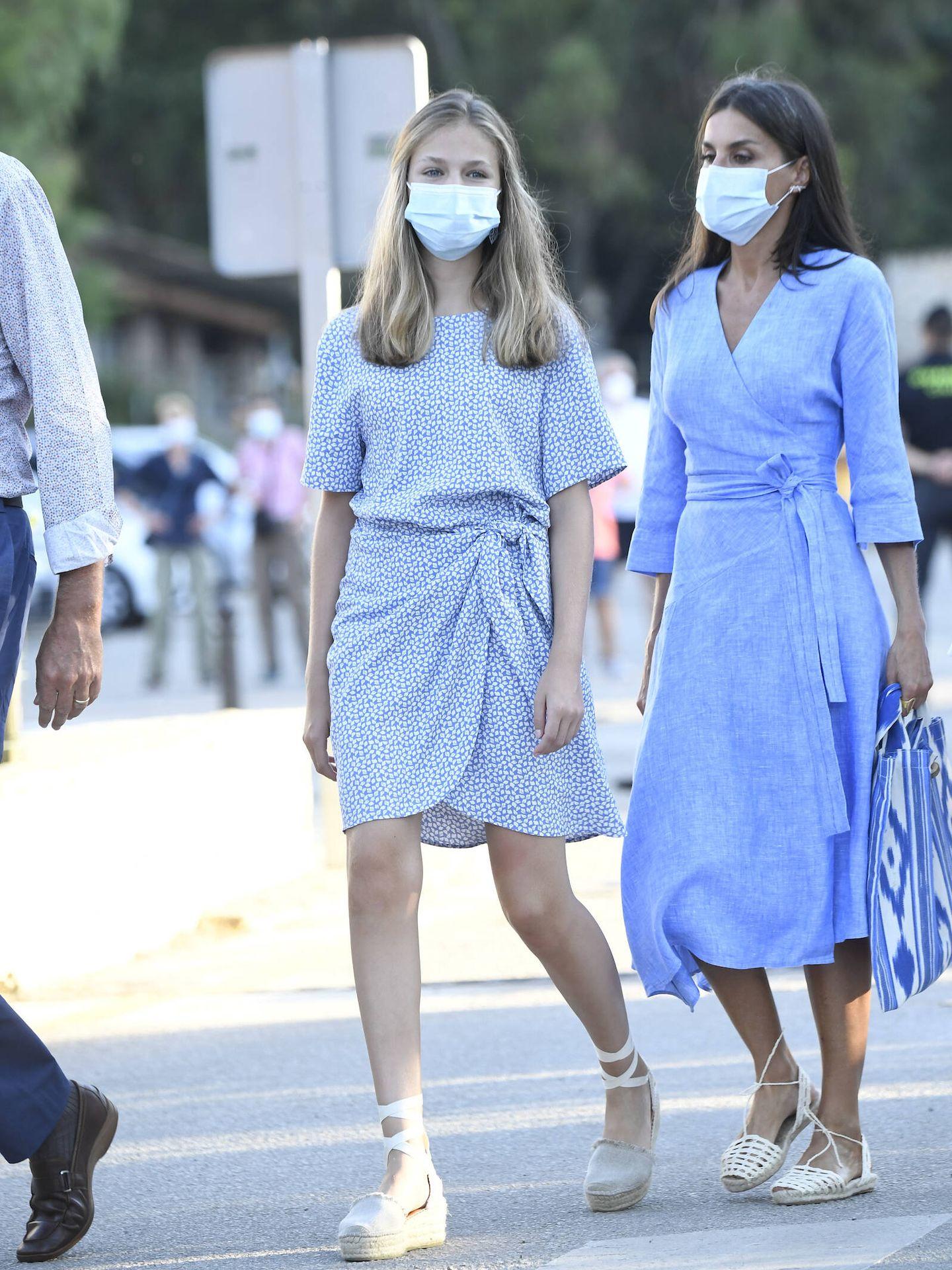Leonor y la reina Letizia, este miércoles en Mallorca. (Limited Pictures)