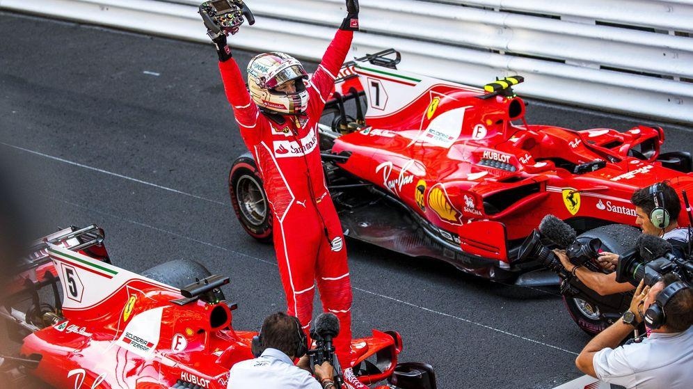 Foto: Sebastian Vettel celebrando el triunfo de Mónaco. (EFE)