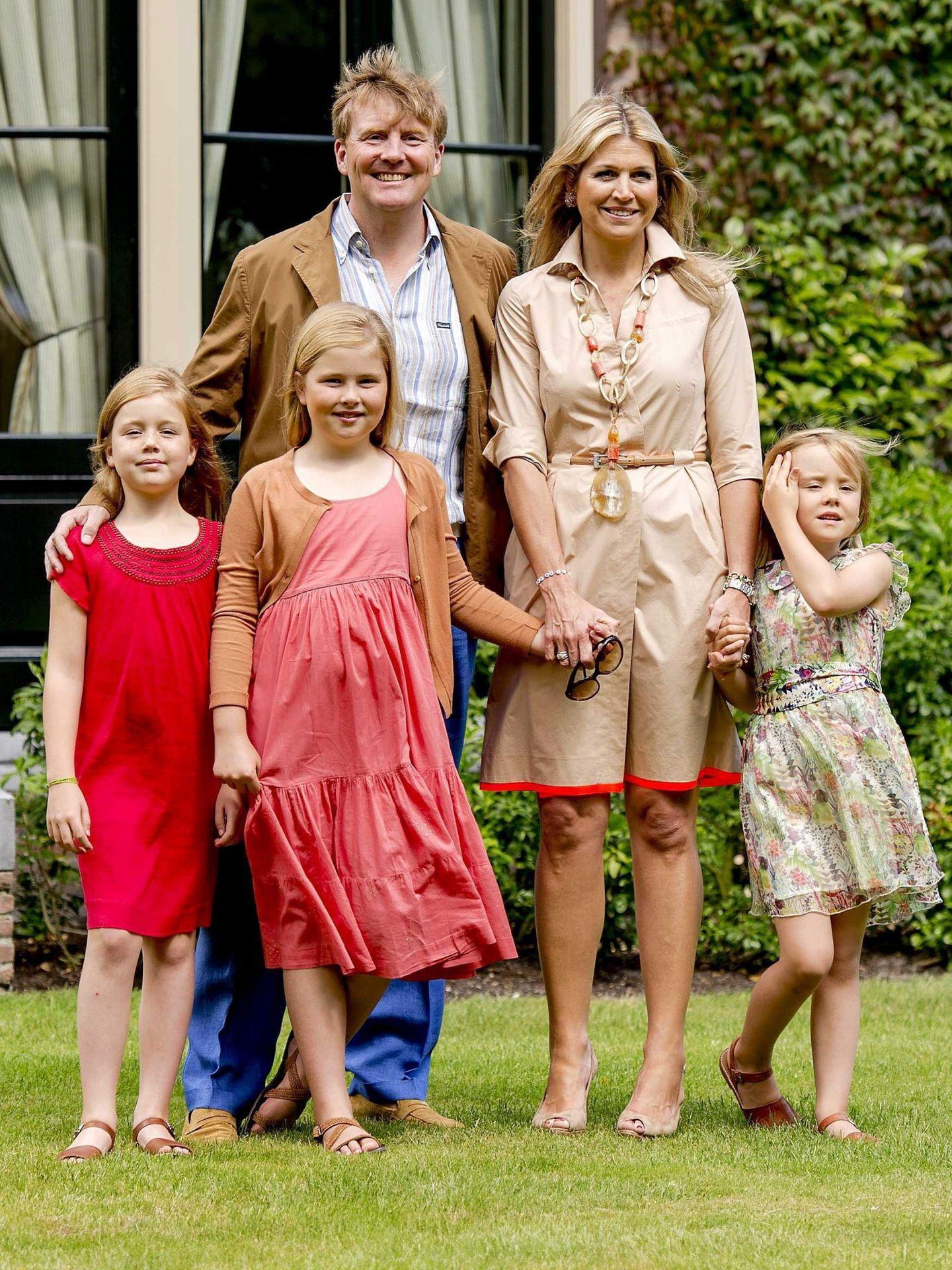La familia, en Villa Eikenhorst. (EFE)