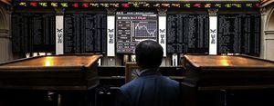 Foto: El Ibex se encomienda al 'mago' Draghi, se anota más de un 3% y recupera los 8.000 puntos