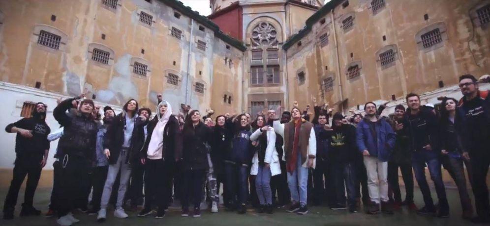 Foto: Raperos cantan un tema por la libertad de expresión