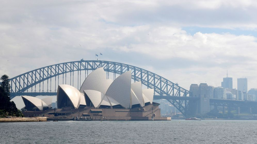 Foto: Puente del puerto y la Ópera de Sídney, en Australia. (EFE)