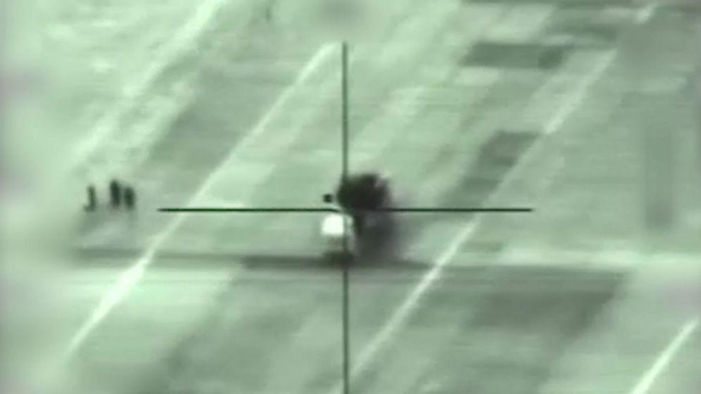 Foto: Una captura de vídeo muestra un lanzamisiles sirio en el objetivo de mira durante un bombardeo israelí en un lugar sin precisar en Siria. (EFE)