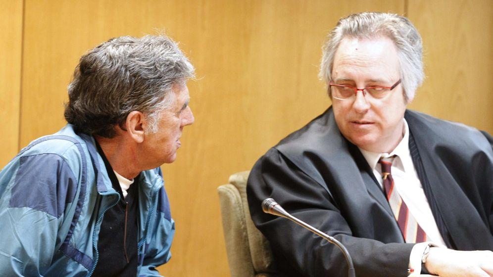 Foto: El falso cura, durante el juicio. (EFE)
