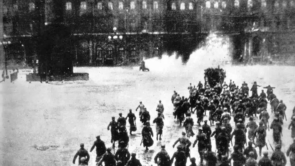 ¡Disparan al Palacio de Invierno! Dos españoles en la Revolución Rusa