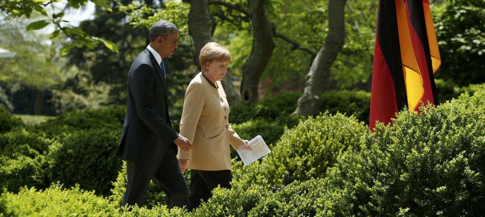 Foto: El presidente de EEUU, Barack Obama, y la canciller alemana, Angela Merkel, caminan por los jardines de la Casa Blanca el pasado mayo. (Reuters)
