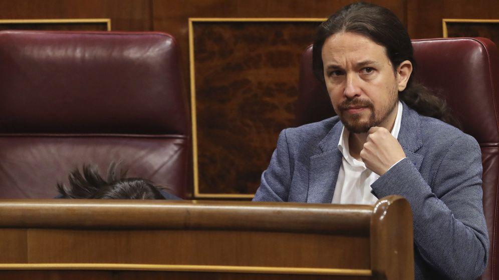 Foto: El líder de Podemos, Pablo Iglesias, en su escaño del Congreso de los Diputados. (EFE)