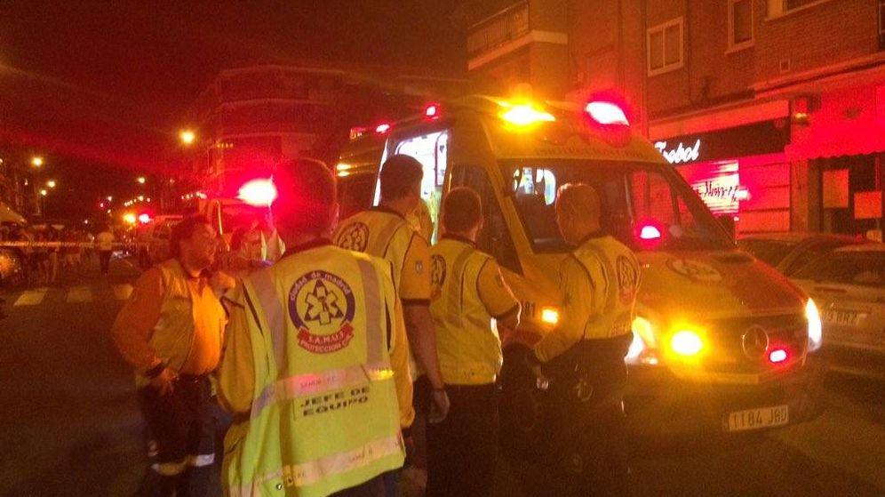 Foto: Un niño de tres años muere en Usera tras ser arrollado por un vehículo. (Emergencias Madrid)
