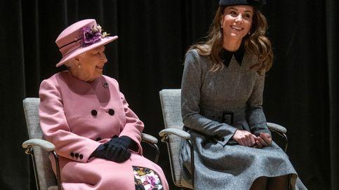 Lo que opina Isabel II de Kate Middleton y Meghan Markle, ¿quién es la favorita?