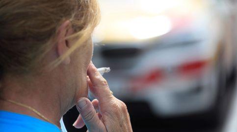 El juez que no validó la prohibición de fumar dice que no anuló nada y que el veto sigue