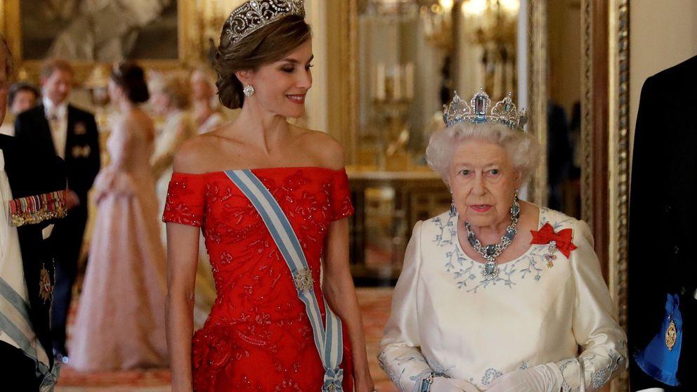 Las normas que hay que cumplir en una cita con Isabel II (y las que Letizia se saltaría)