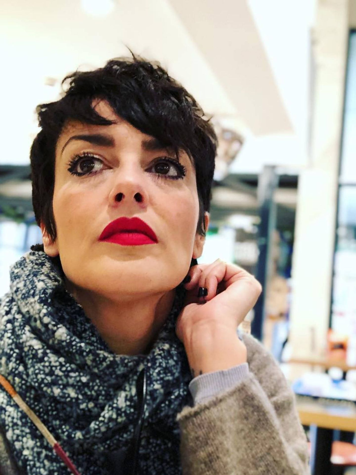 La cantante Vega está perdiendo el pelo a causa del coronavirus. (Instagram @vegaoficial)