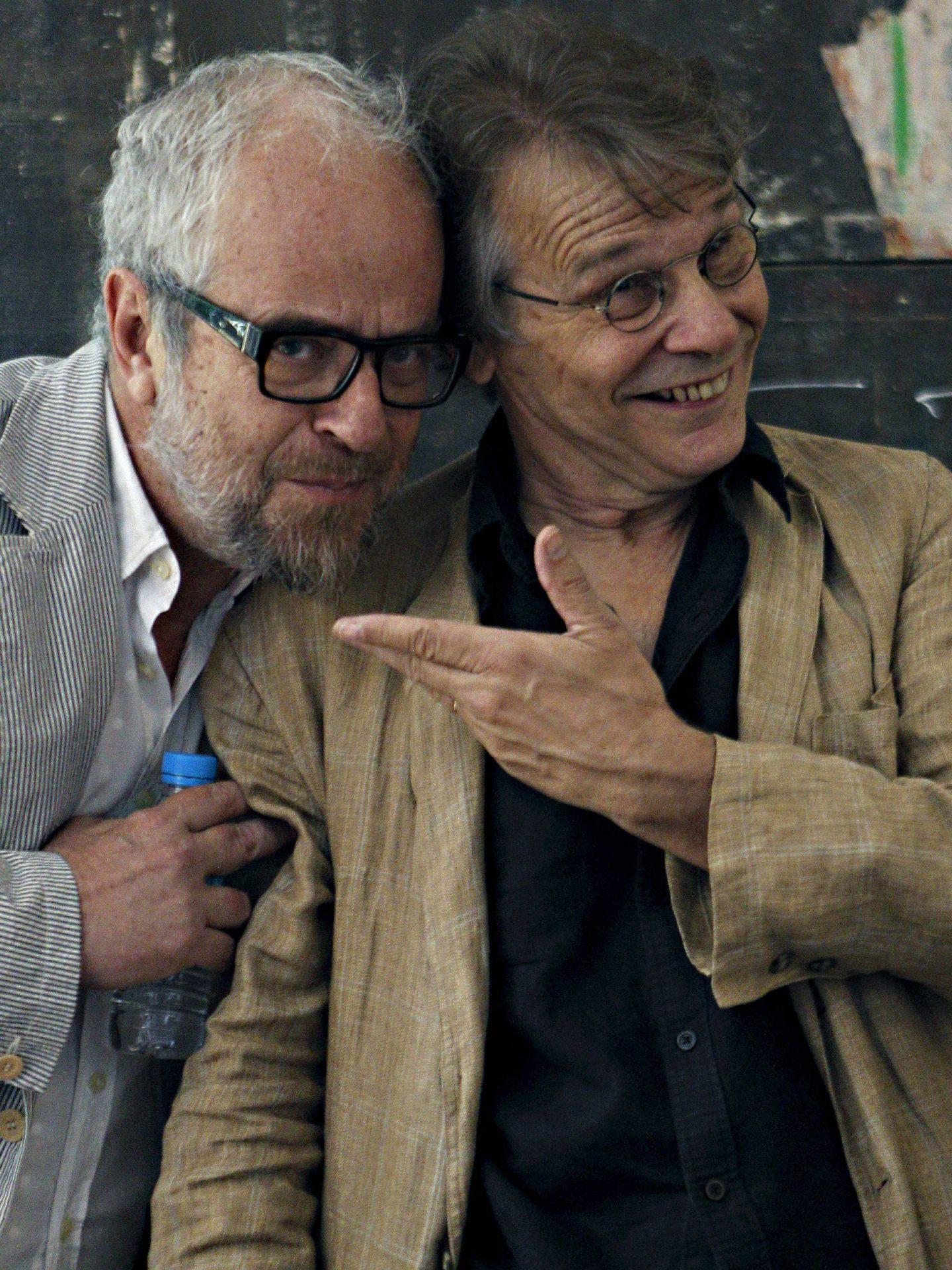 Claudio López de Lamadrid, con el escritor francés Daniel Pennac. (EFE)