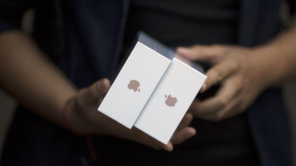 Foto: Arreglar un iPhone en una tienda no autorizada por Apple puede ser una maniobra arriesgada. (Reuters)