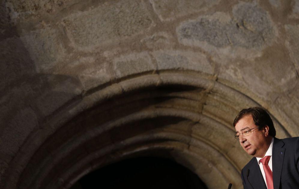 Foto: El presidente extremeño, Guillermo Fernández Vara, este 9 de mayo en Cuacos de Yuste. (EFE)
