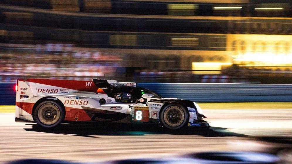 Foto: El Toyota 8 de Alonso domina en las 1000 Millas de Sebring