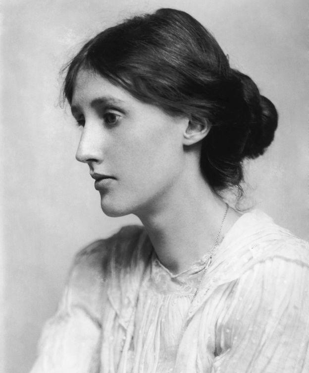 Foto: Virginia Woolf retratada por George Charles Beresford.