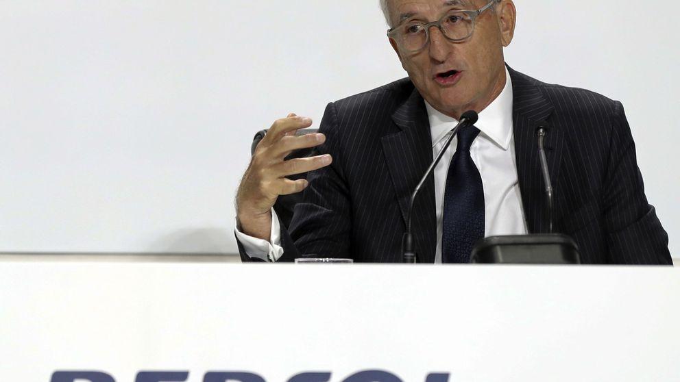 Repsol mantiene su beneficio en un entorno más adverso de precios del crudo
