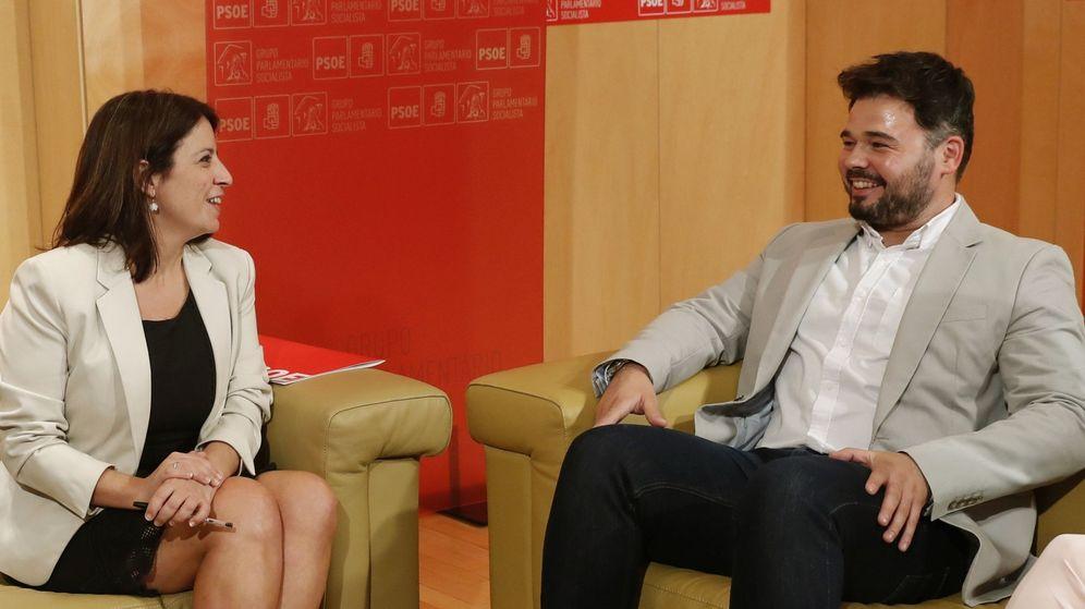 Foto: Adriana Lastra y Gabriel Rufián, durante una reunión el pasado mes de julio. (EFE)