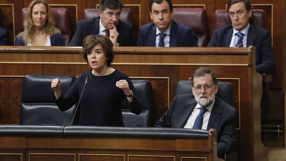 Foto: Soraya Sáenz de Santamaría y Mariano Rajoy en el Congreso de los Diputados. (EFE)