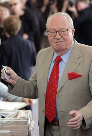 Le Pen pide a sus votantes la abstención en la segunda vuelta