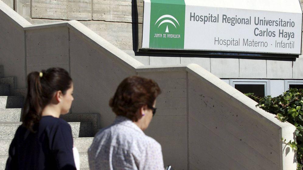 Foto: Fachada del Hospital Materno Infantil de Málaga. (EFE)