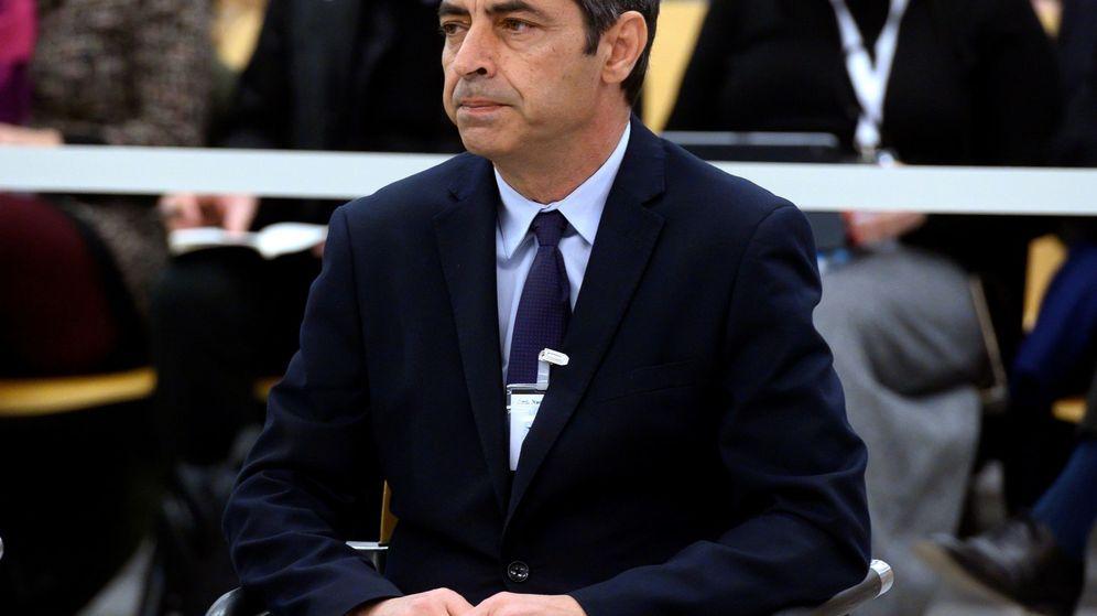 Foto: Josep Lluís Trapero, en el juicio por la actuación de los Mossos en el 'procés'. (EFE)
