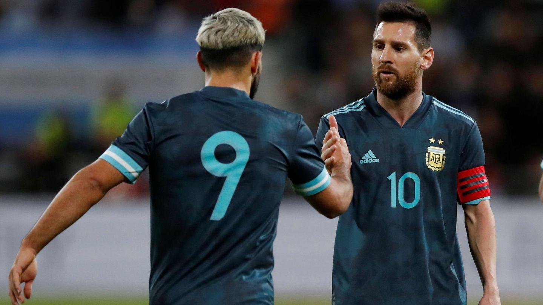 Messi y Agüero en la albiceleste. (Reuters)