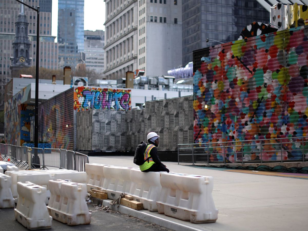 Foto: Un trabajador de la construcción en Nueva York. (Reuters)