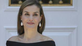 Doña Letizia se planta un nuevo Carolina Herrera sin precio oficial