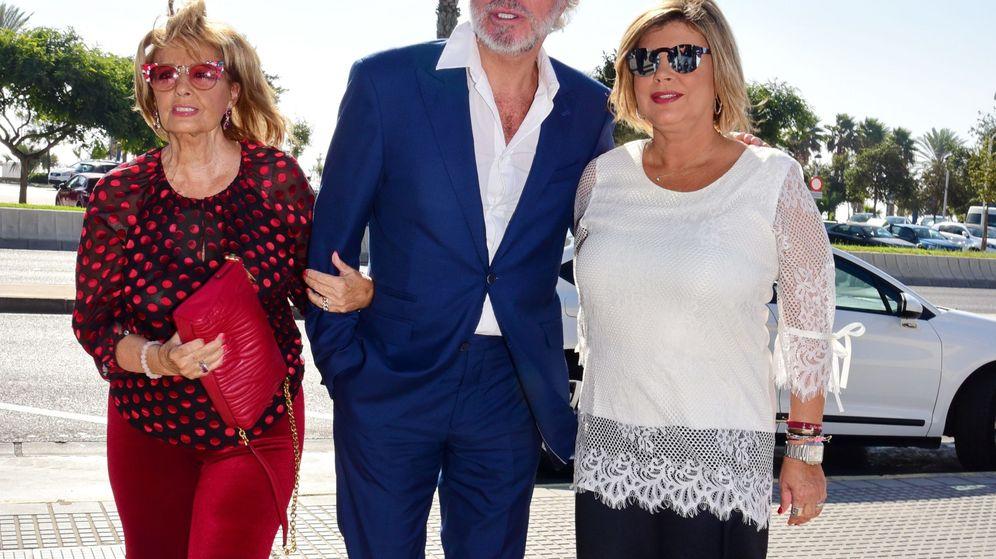 Foto: María Teresa Campos, Edmundo Arrocet y Terelu en una imagen de archivo en Málaga. (Cordon Press)