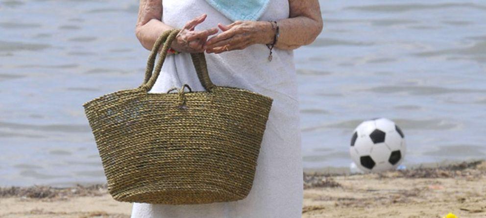 Cayetana de Alba se relaja en Ibiza ante su inminente boda en otoño