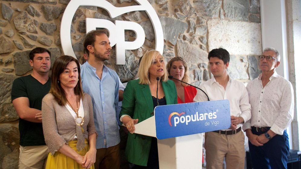 Foto: La candidata del PP de Vigo durante su renuncia. (EFE)