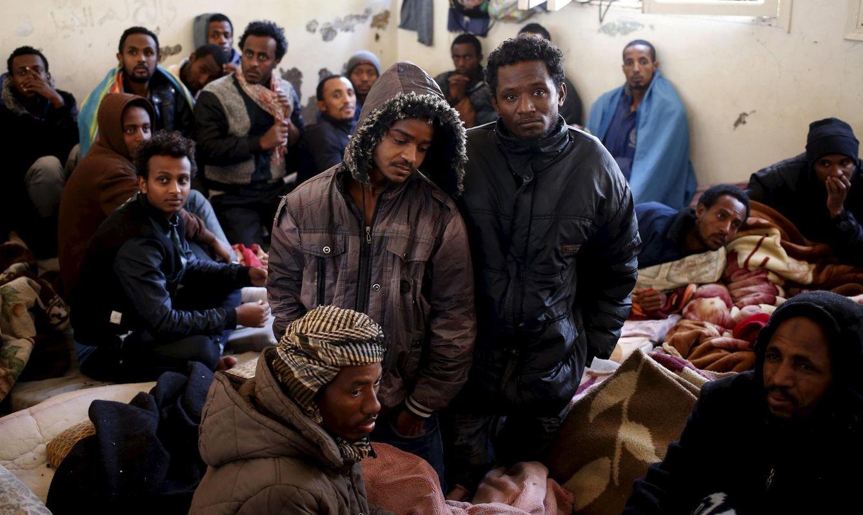 Foto: Inmigrantes ilegales en un centro de internamiento en Misrata, Libia, el pasado 11 de marzo (Reuters)